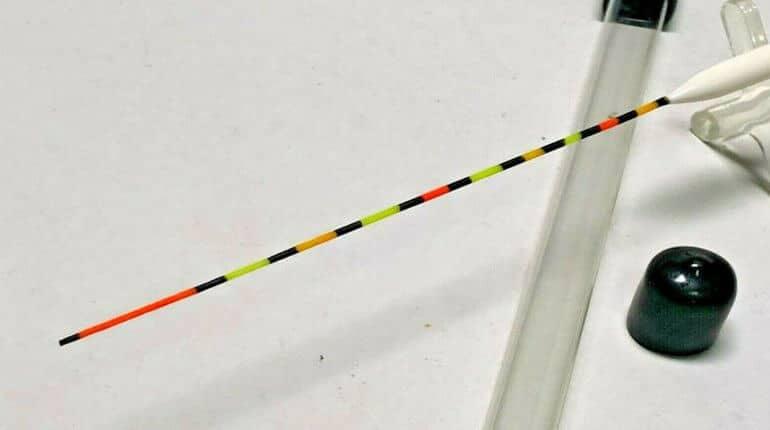 detail anténky splávku