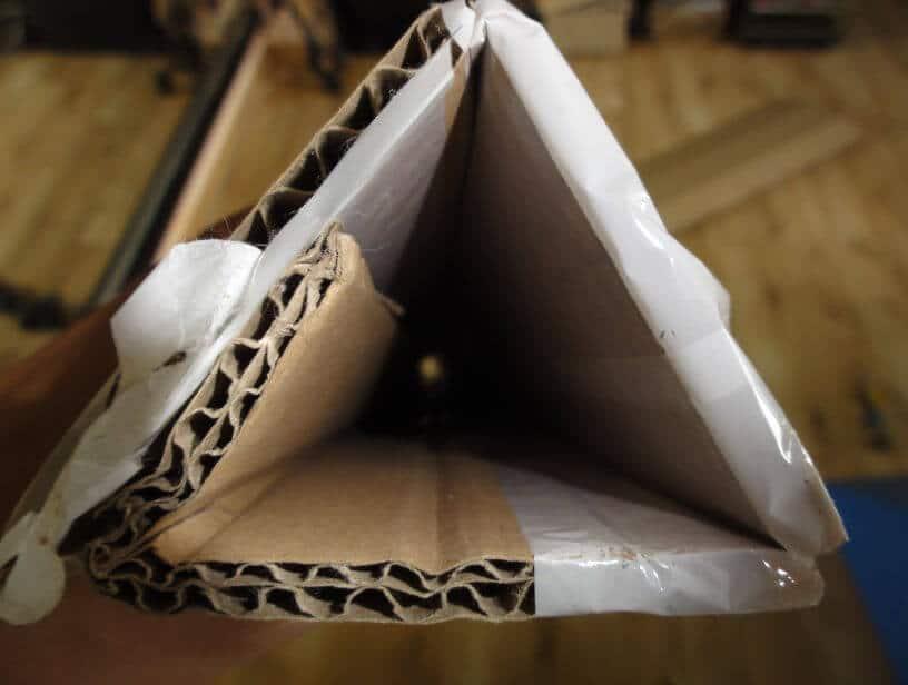 trojúhelníkový průřez